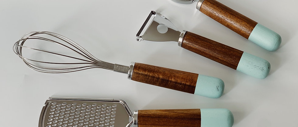 Набор предметов для кухни