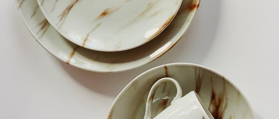Набор 3 тарелки и чашка