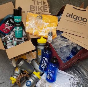 Preparando kits para Cycling Experience