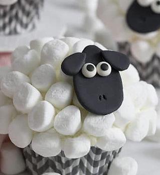 sheep cupcake.jpg