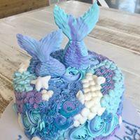 blue mermaid cake.jpg