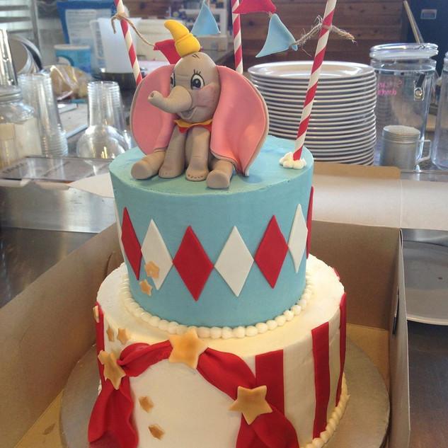 dumbo cake.jpg