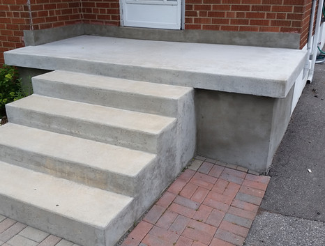 Poured Concrete Steps 1_1