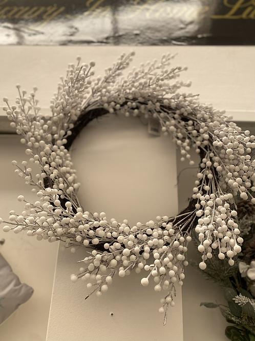 "20"" White berry wreath"