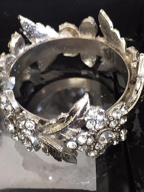 4 Glitz Floral Napkin Rings