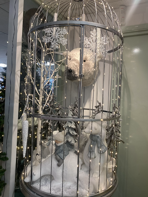7.5ft Huge polar bear cage filled with decorations