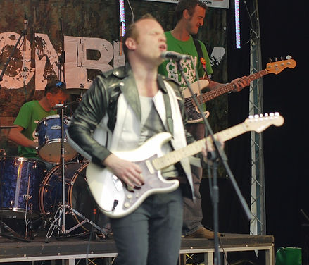 rock music, Band: The Indebtors
