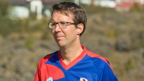 COOK TAKES CHARGE AT KÓPAVOGUR