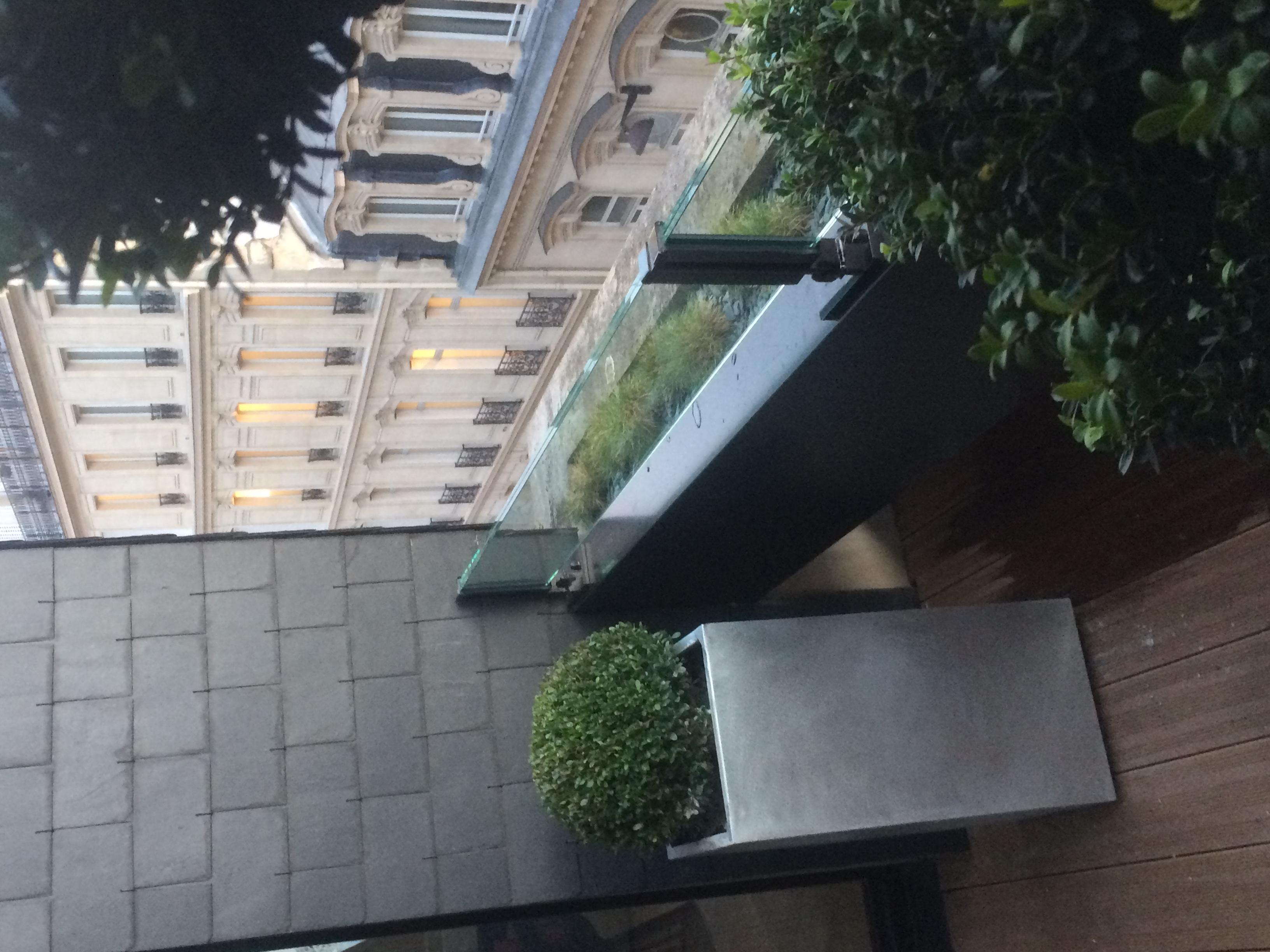 Terrasse droite en symétrie inversée
