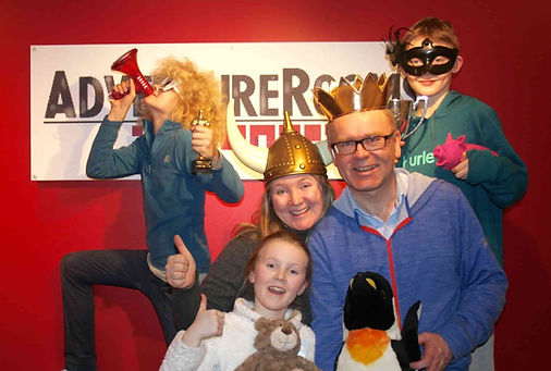 Familieaktivitet på AdventureRooms Oslo, et escape room i Oslo
