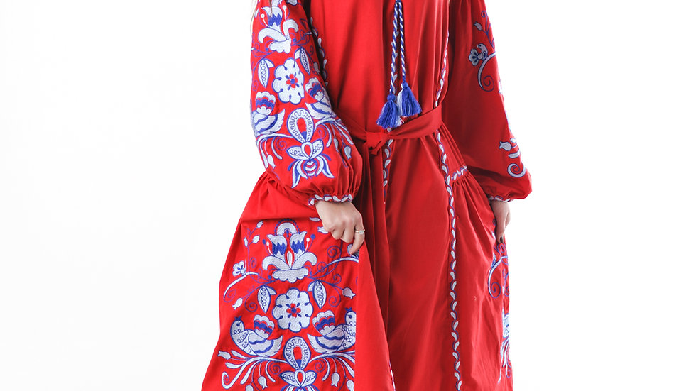 """Сукня вишита """"Птахи"""" міді з клинами червона"""