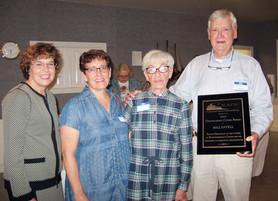 Bill Estell Accepts NAPS Award