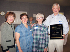 Bill Estell Accepts NAPS Award
