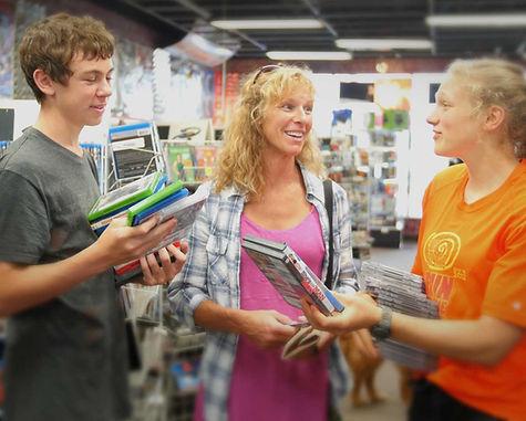 Mom-with-Children-(Shopping)x.jpg