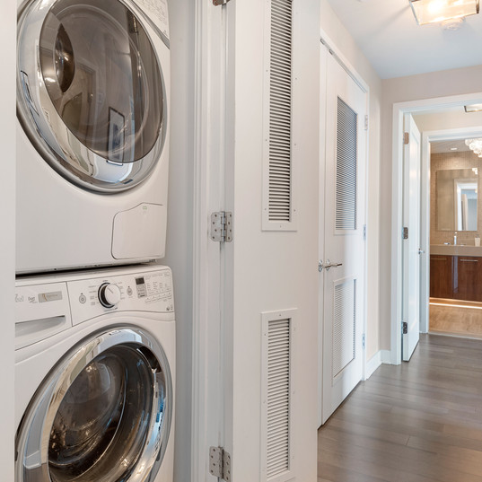 Private Full-Sized Laundry