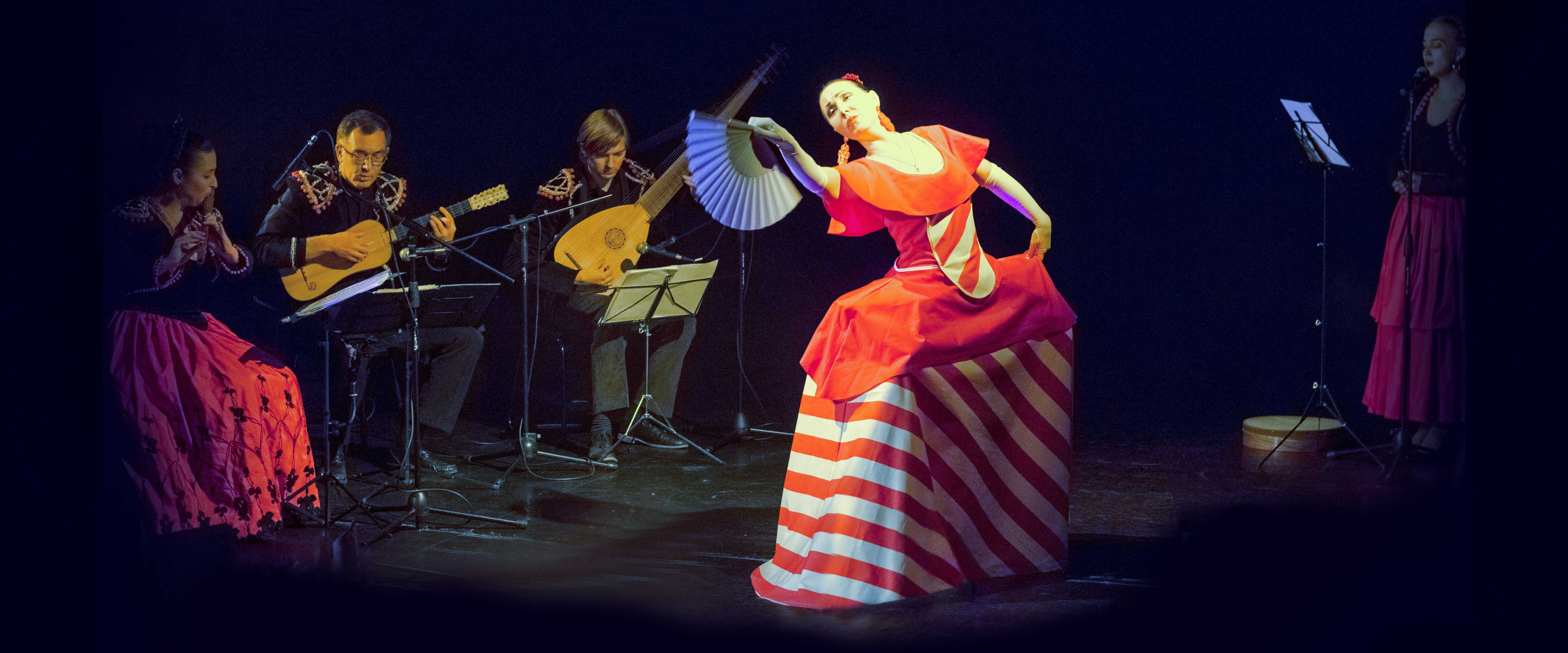 flamenco and spanish folk dancer Amor.jpg