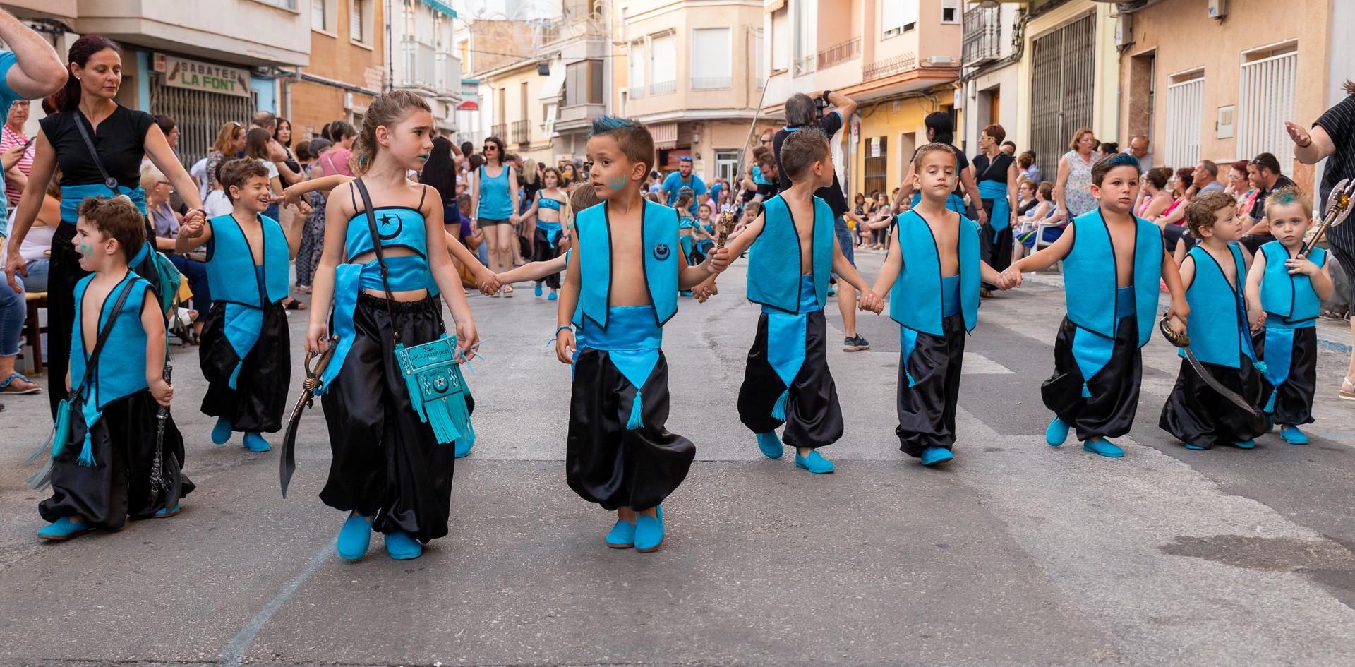Desfilada infantil. Al-Garrapets 2019