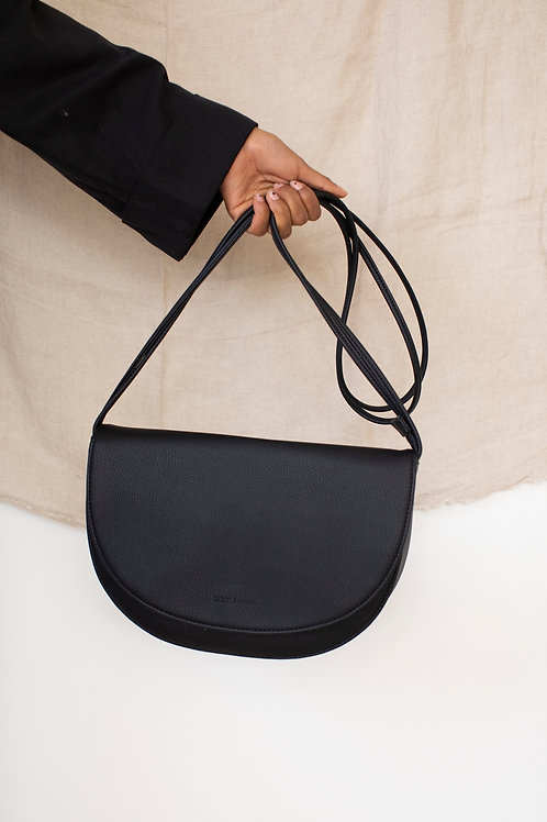 Soma half moon bag | black | Monk & Anna