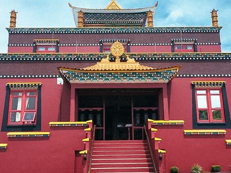 Conheça o templo Budista em Três Coroas RS