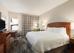 Hampton Inn New Generation Guest Room - Woodbury, MN