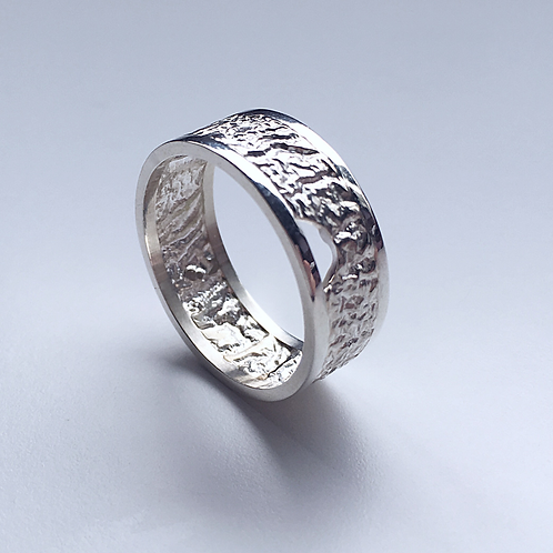 Reticulated Men's Crescent Band