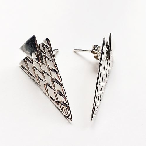 Triangle Rivet Studs