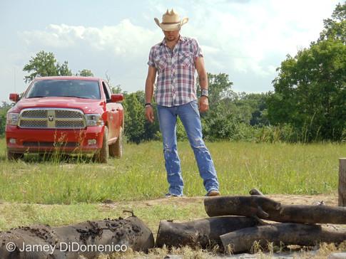 Jason Aldean - Dirt Road Anthem - Set Photo