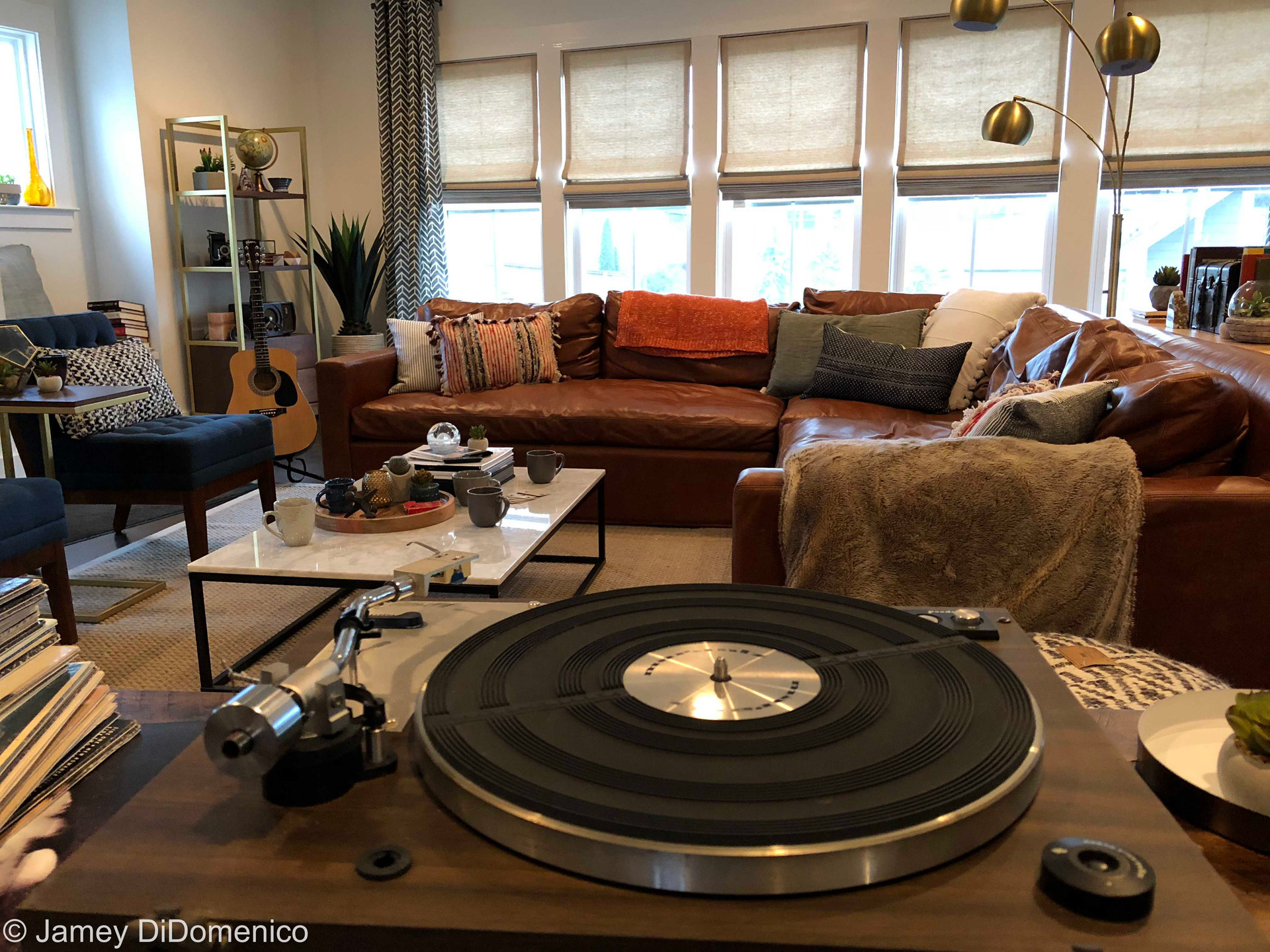 CEFCU - Vinyl Commercial - Set Photo