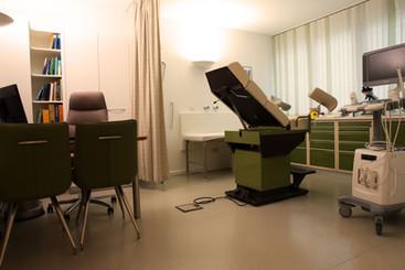 Behandlungszimmer2.jpg