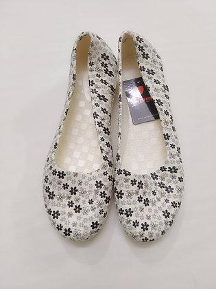 Soft Rubber Cut Shoe