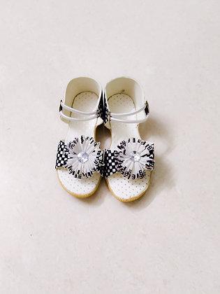 Girls' stylish chess sandals