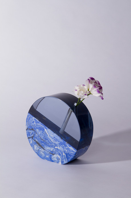 Blue Moon Vase 001.jpg