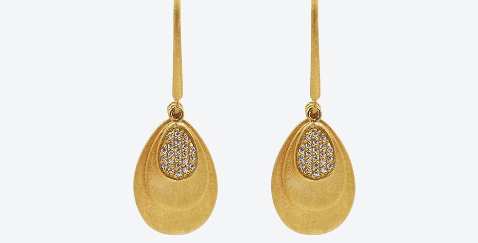 Artisanal Pearl Earring #620E15