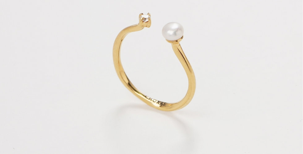 Modern Pearl Ring 504R11