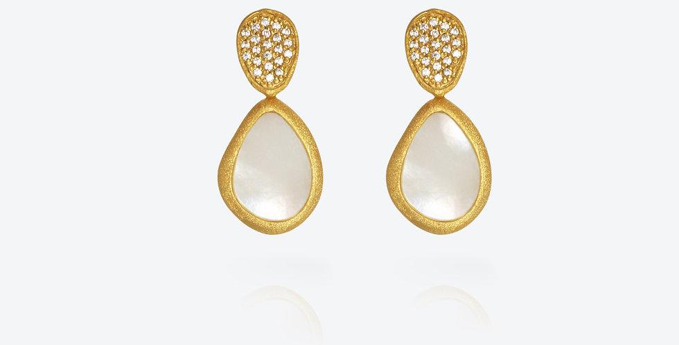 Artisana Pearl Earring #563E41