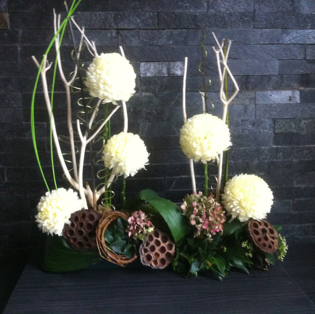 Blooms winter table design