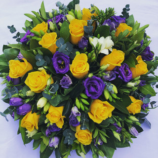 Rose and Lisianthus posy pad