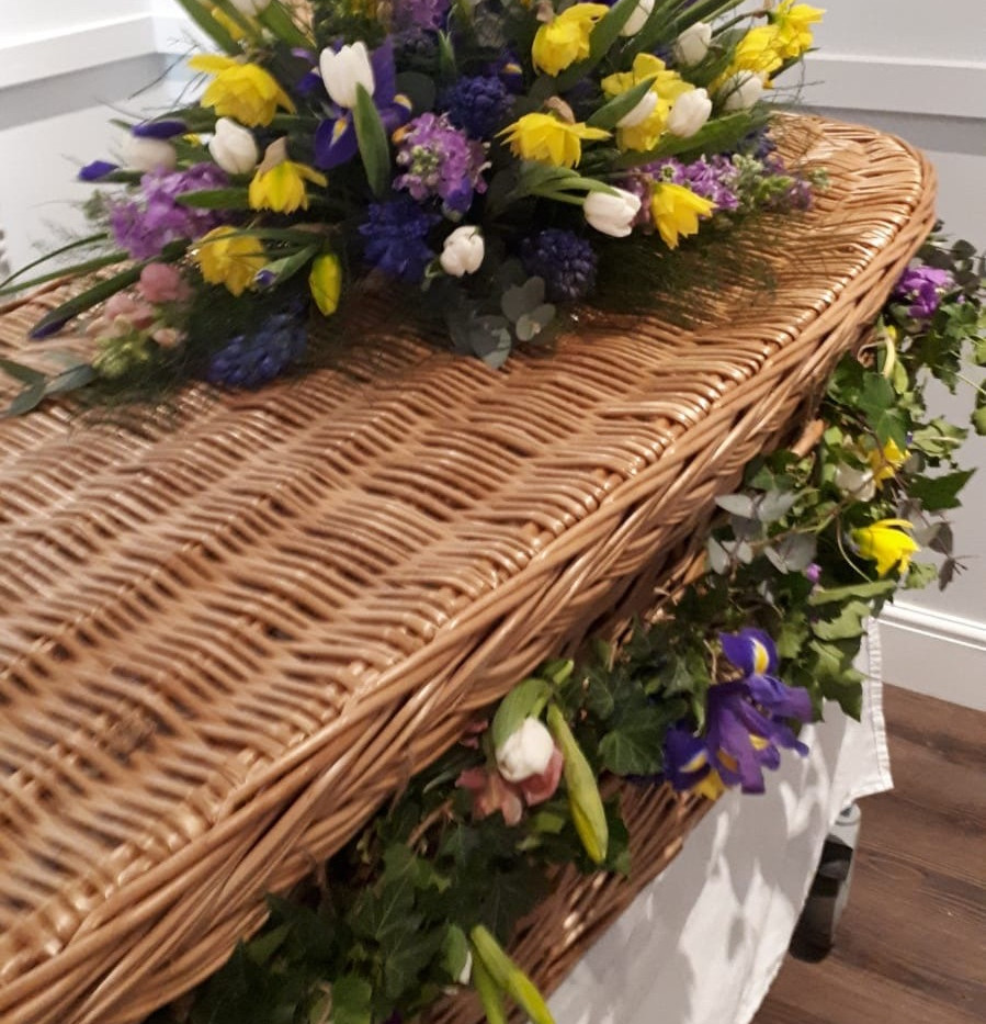 Coffin%20and%20garland_edited.jpg