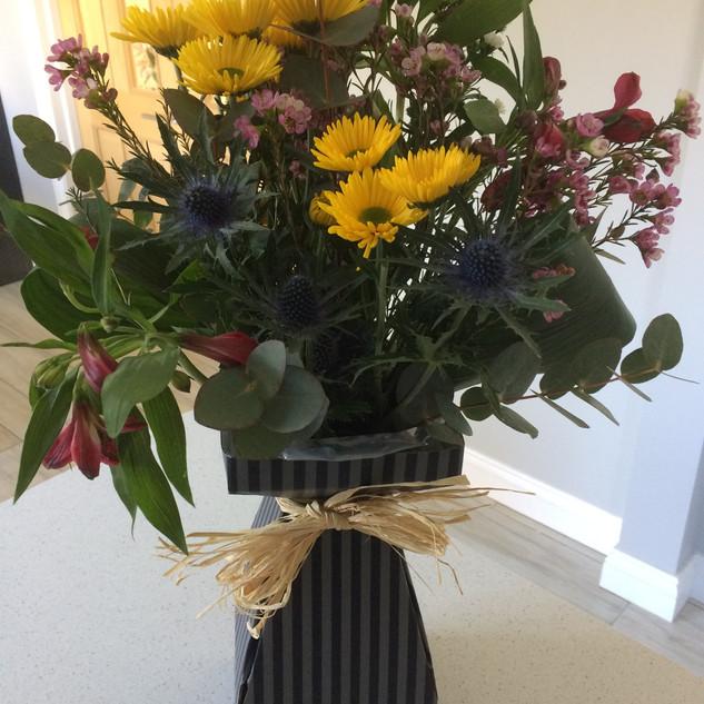 Hand-tied living vase