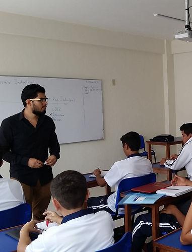 Clases en Colegio INEDI