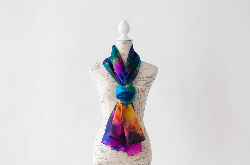 Foulard de soie Habotai teint à la main - Hand dyed habotai silk scarf