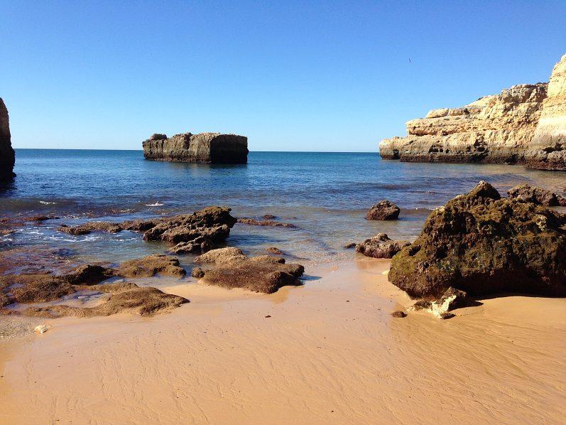 31) Praia do Estaquinha