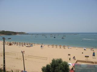 2) Praia Grande Ferragudo