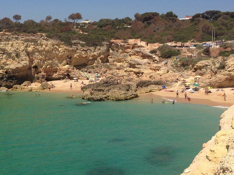 32) Praia da Albandeira