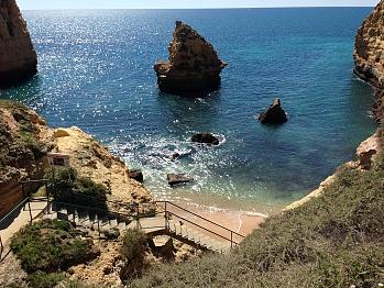 17) Praia de Vale Covo