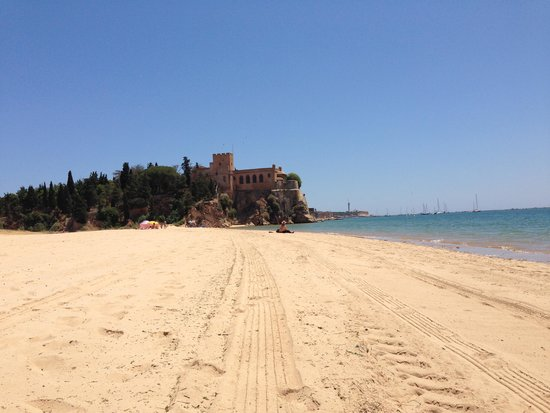 1) Praia Da Angrinha