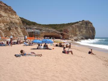 6) Praia dos Caneiros