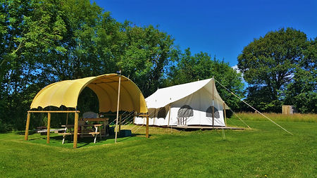 Top_of_the_woods_camping_glamping_pembro