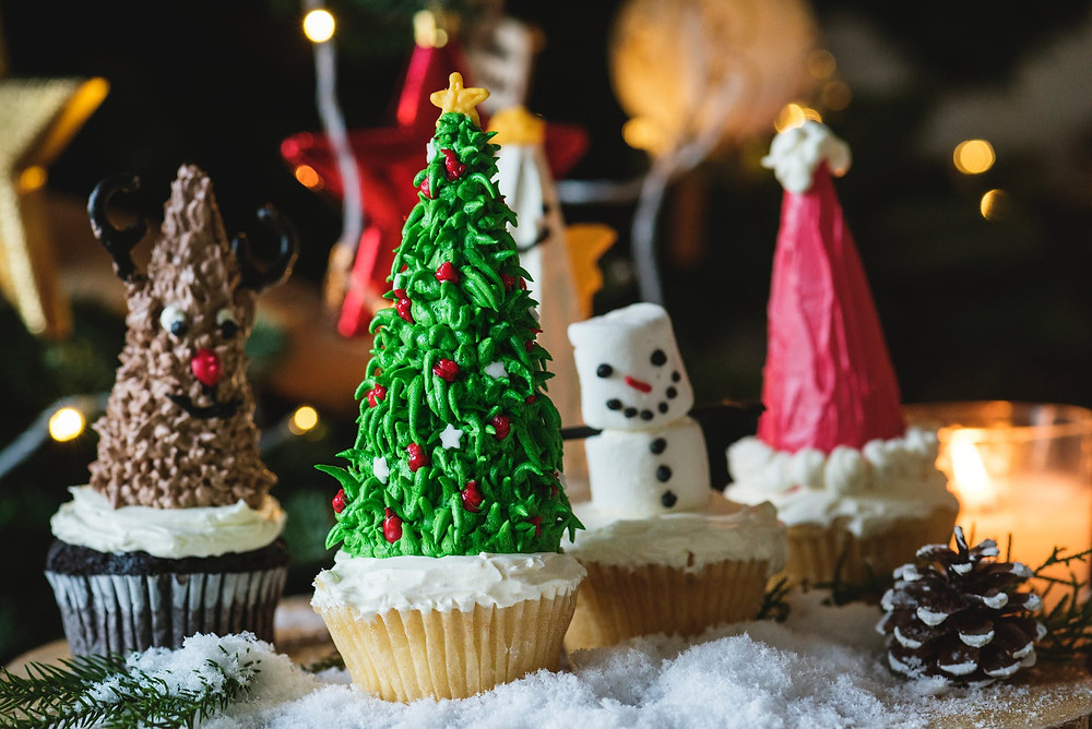 Christmas baking is a great way to spend time together! Baked goods can also make fab presents!