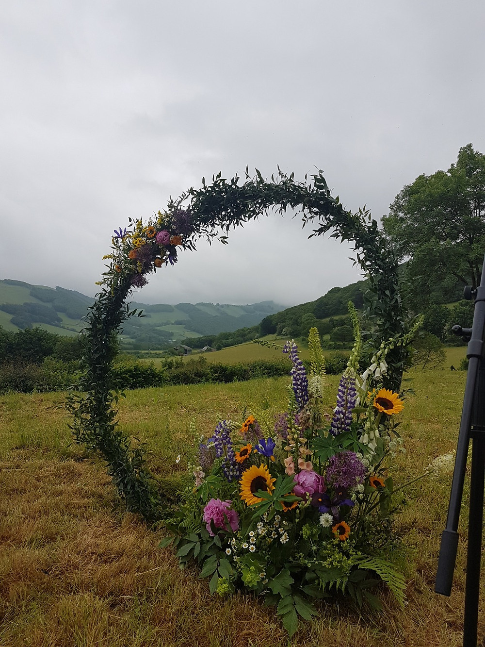 Stunning wildflower displays, arches.. the possibilities are endless!